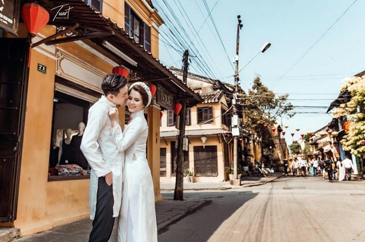 cặp đôi chụp ảnh cưới ở Phố Cổ Hội An Quảng Nam